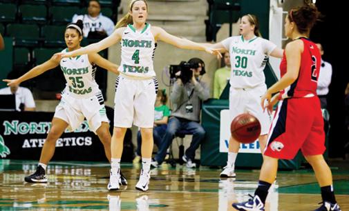 Women's basketball sees momentum shift