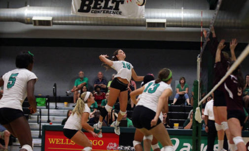 Mean Green volleyball kicks off season in California tournament