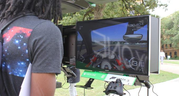 Blog: Students take advantage of Xbox sneak peek
