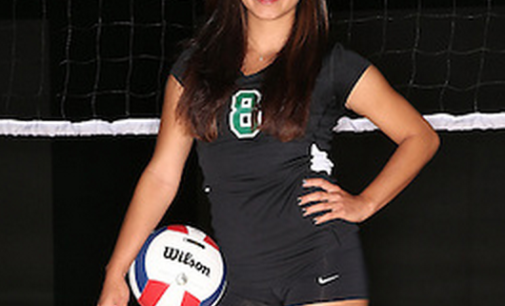 Senior sets the tone for volleyball defense