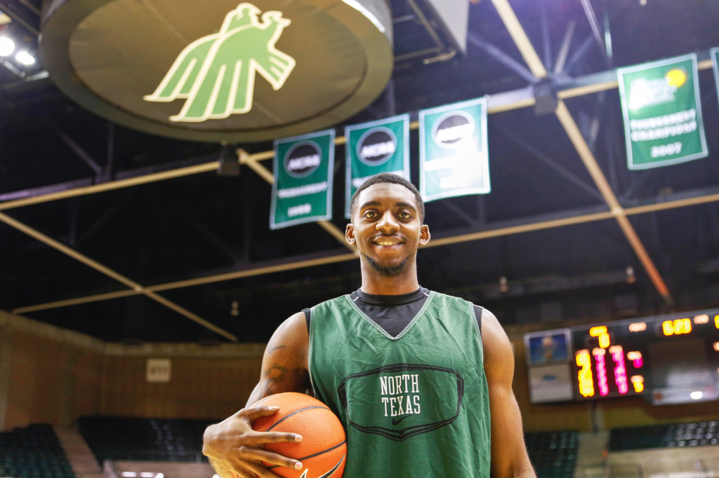 Senior guard Alzee Williams is the North Texas' leading scorer. He scored his 900th career point in the win at Texas A&M. Photo by Zixian Chen / Senior Staff Photographer