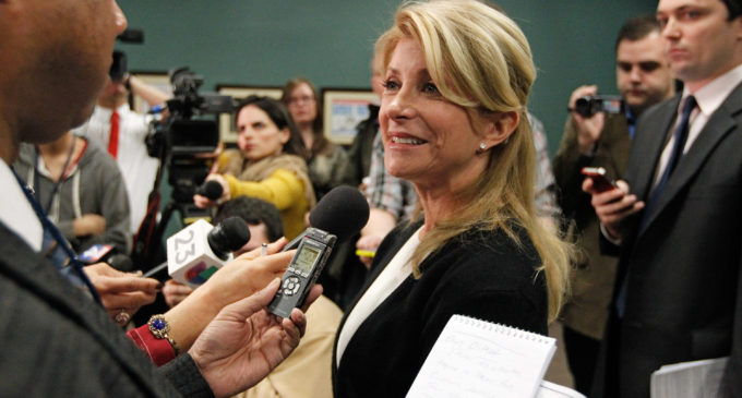 Opinion: Wendy Davis' campaign takes a nose dive