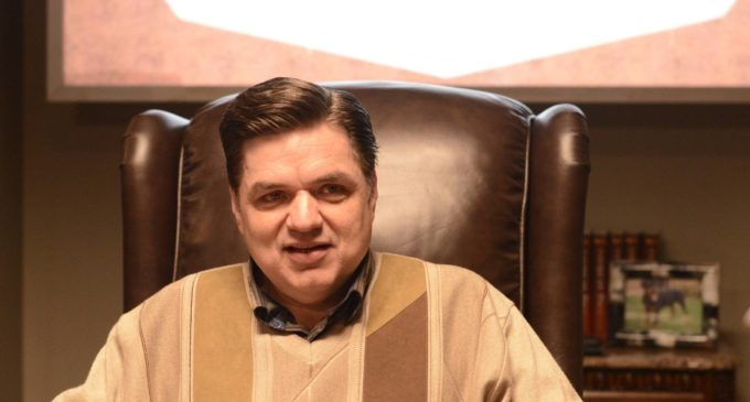 Interview: Oliver Platt on Being Boss in 'Fargo'