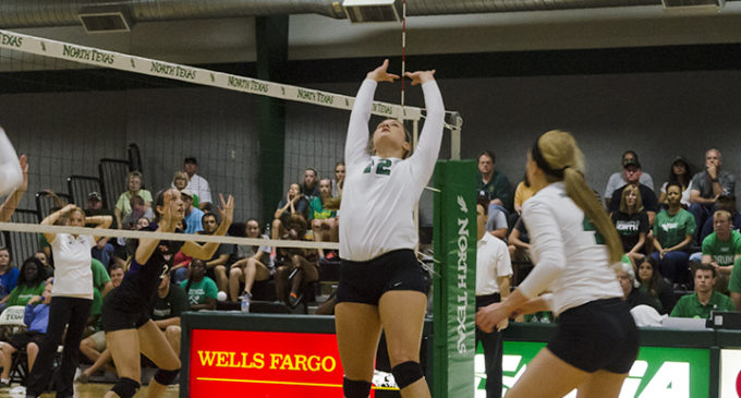 Volleyball team seeks revenge against Western Kentucky this weekend