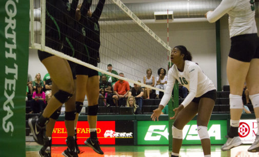 Volleyball drops last game of tournament, finishes 2-1 on weekend
