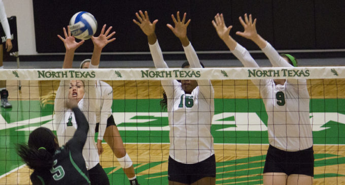 Volleyball takes season opener over Winthrop