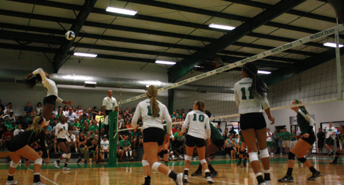 Volleyball wins home opener in straight sets