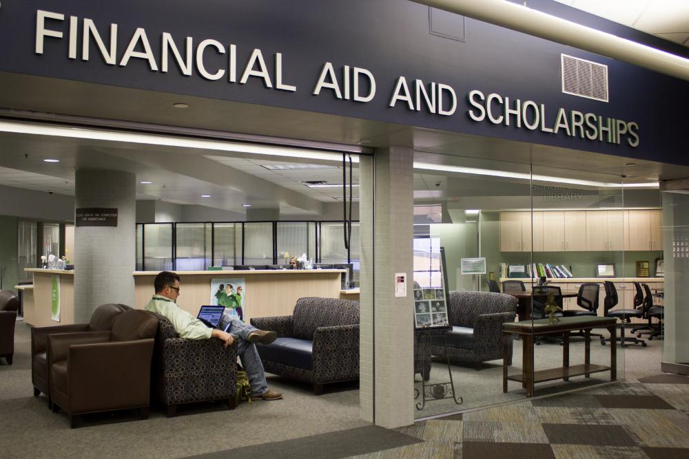 Students express problems with financial aid office – North Texas Daily