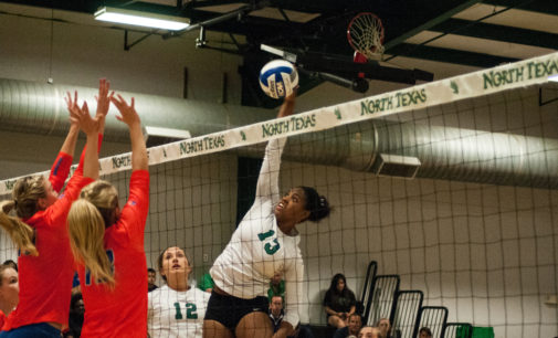 Volleyball drops first game of North Texas Invitational