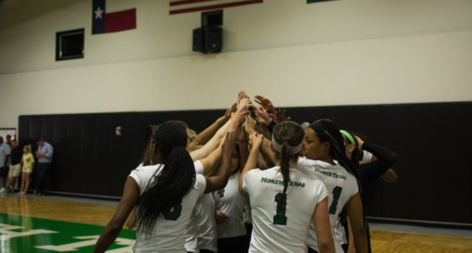 Volleyball finishes North Texas Invitational 1-2 over weekend