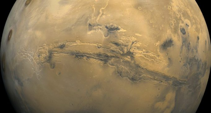 Experts discuss the new small step: water on Mars