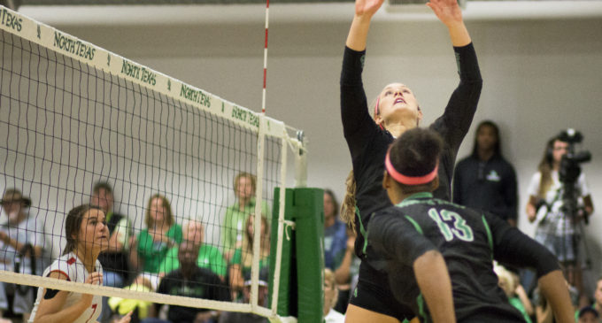 Volleyball experimenting with Henard's role between setter and libero