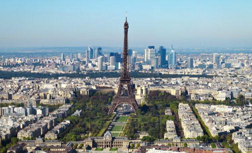 University posts controversial memorial for #ParisAttacks