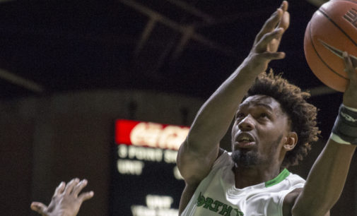 Combs' career night not enough to make up for Deckie Johnson injury for men's basketball