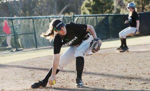 Softball splits second straight day at Hillenbrand Invitational