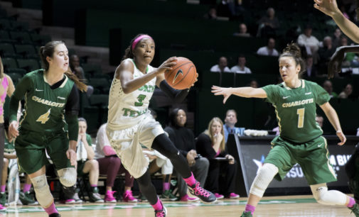 Women's basketball survives FAU to advance in C-USA tournament