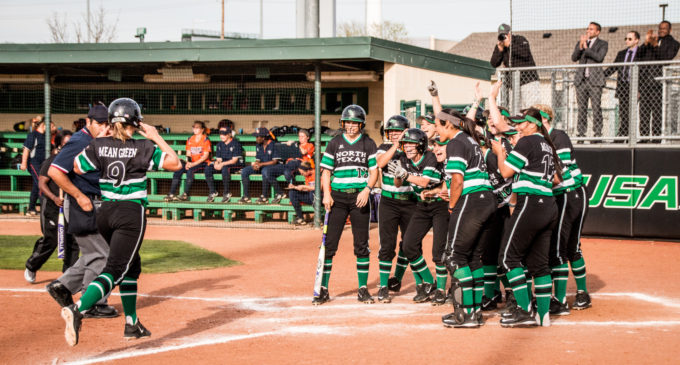 Softball splits Marshall doubleheader, earns first conference win