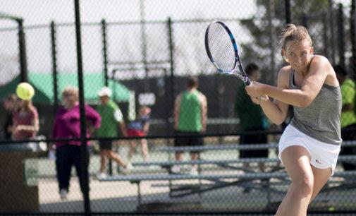 Nationally ranked Kononova leads tennis to back-to-back sweeps
