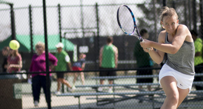 Nationally ranked Kononova leads tennis to back-to-back sweeps