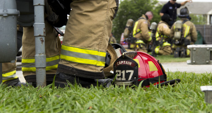 Fire breaks out inside apartment at Woodvine Apartments