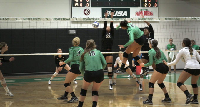 North Texas volleyball finishes road trip with victory at UAB