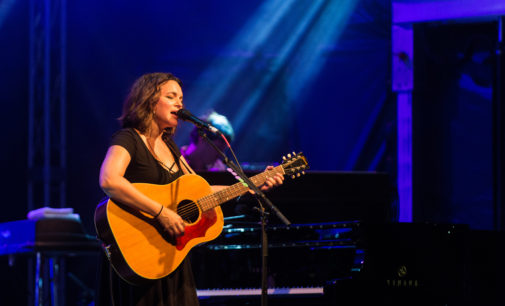 Norah Jones mesmerizes Oaktopia second night of fest