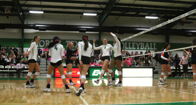 North Texas volleyball sweeps UTEP at home