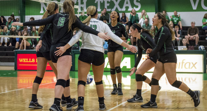 North Texas volleyball sweeps Charlotte at home
