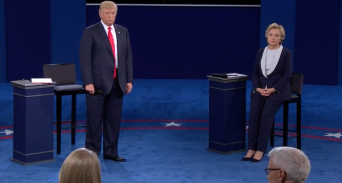 'Locker room talk' video dominates second presidential debate