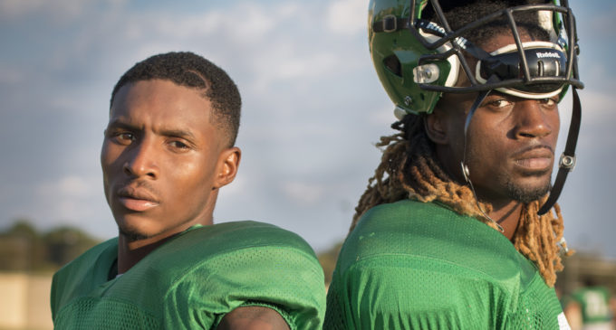 Escaping the East: North Texas wide receivers and best friends continue football careers together