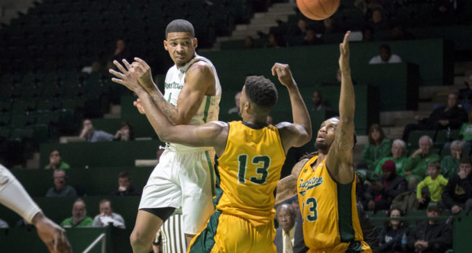 Men's basketball tops Southeastern Louisiana in Keith Frazier's debut