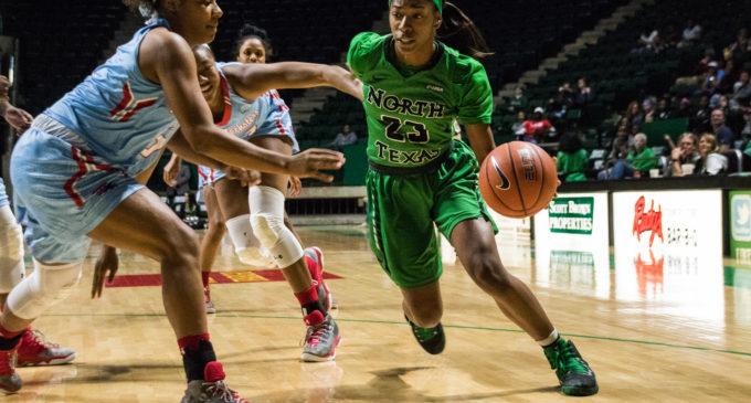 Women's basketball struggles down the stretch, falls to Louisiana Tech