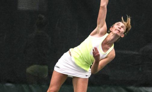 Tennis struggles again in close match, falls to Wichita State
