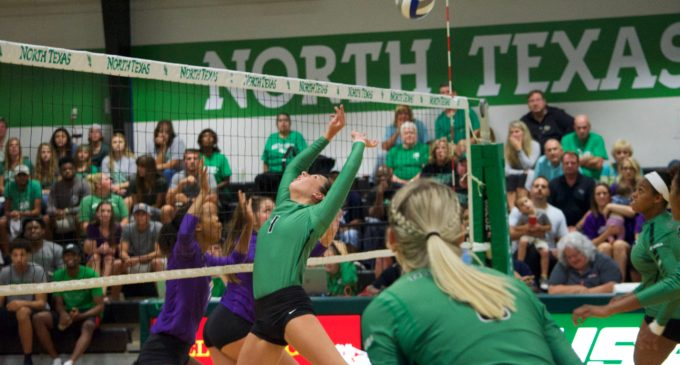 Volleyball extends win streak to six in El Paso