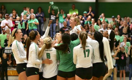 Volleyball sweeps Oklahoma with record crowd on hand