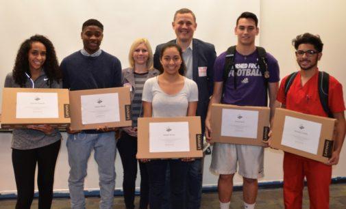 UpTop Denton bridges 'digital divide' for high school seniors