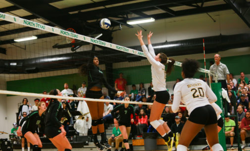 Volleyball pulls out five-set win to avenge loss to Southern Miss