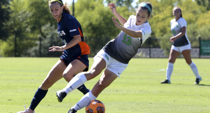 Soccer comes from behind to remain unbeaten in conference play