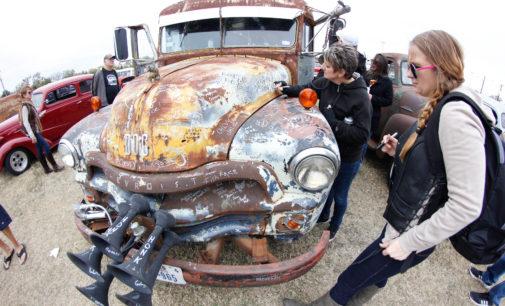 16th annual Pistons & Paint Car Show honors antique automobiles