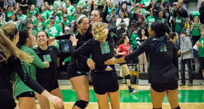 Volleyball shocks Western Kentucky to grab control of C-USA
