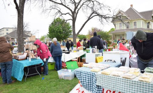 Despite cold weather, local vendors bring the community together at the Denton Community Market