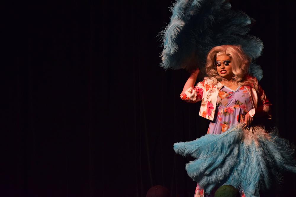 041118_MC_DragShow20
