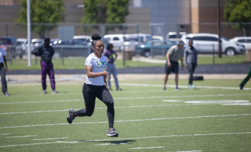 Sophomore sprinter runs through pain, continuing to live her dream