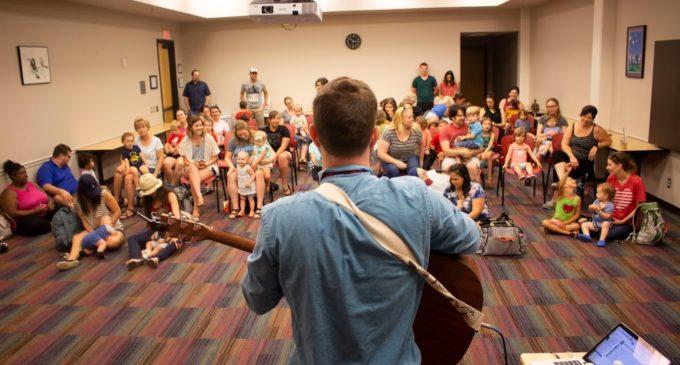 Denton Public Library hosts San Antonio-based children's singer Will Parker