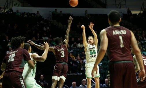 Men's basketball has best start in 50 years, extends winning streak to 7