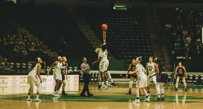 Women's basketball win streak ends at six after close loss to UTSA