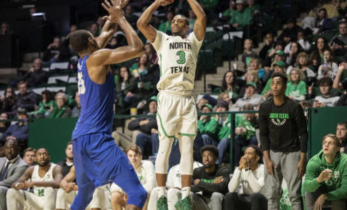 Men's basketball moves closer to first place in C-USA after win