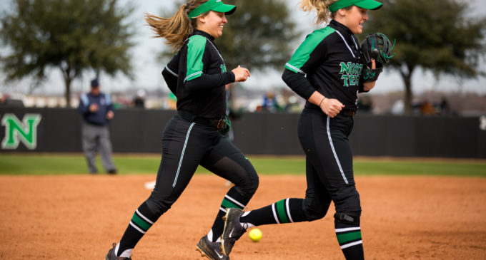 Softball takes home 2019 Baylor Invitational championship, continues stellar start to season