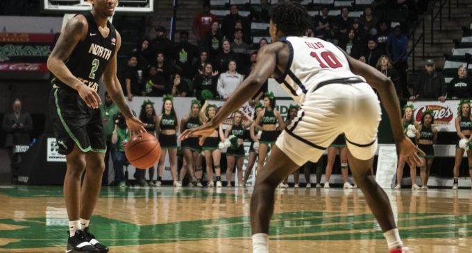 Men's basketball falls to Florida Atlantic, extends losing streak to five