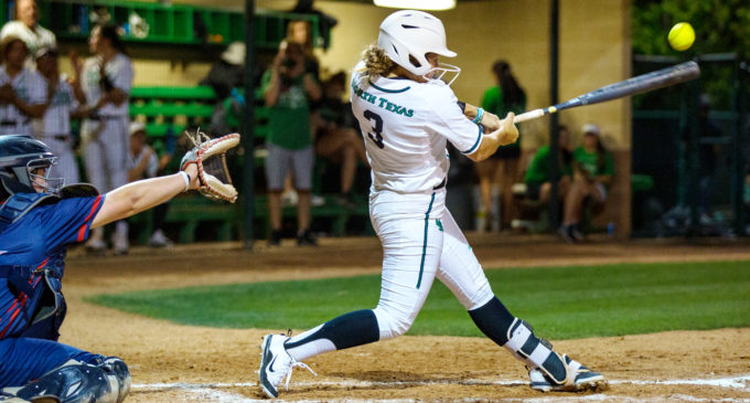 Softball's late comeback attempt falls short at Houston Baptist